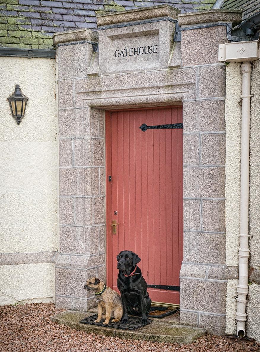 Gatehouse, Dog Friendly Holiday Cottage at Douneside